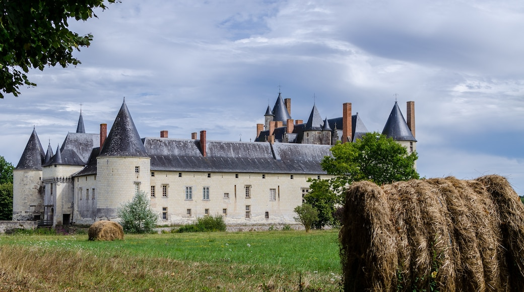 « Château du Plessis-Bourré», photo de Smoke It 2013 (CC BY-SA) / rognée de l'originale