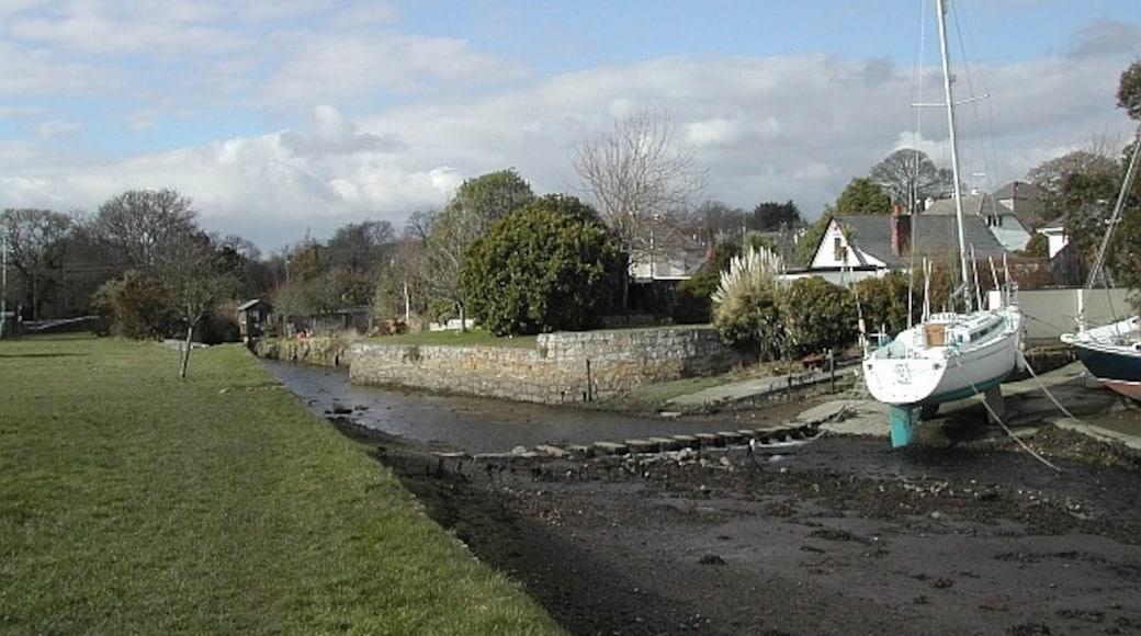 "Photo ""Mylor Bridge"" by Hugh Craddock (CC BY-SA) / Cropped from original"