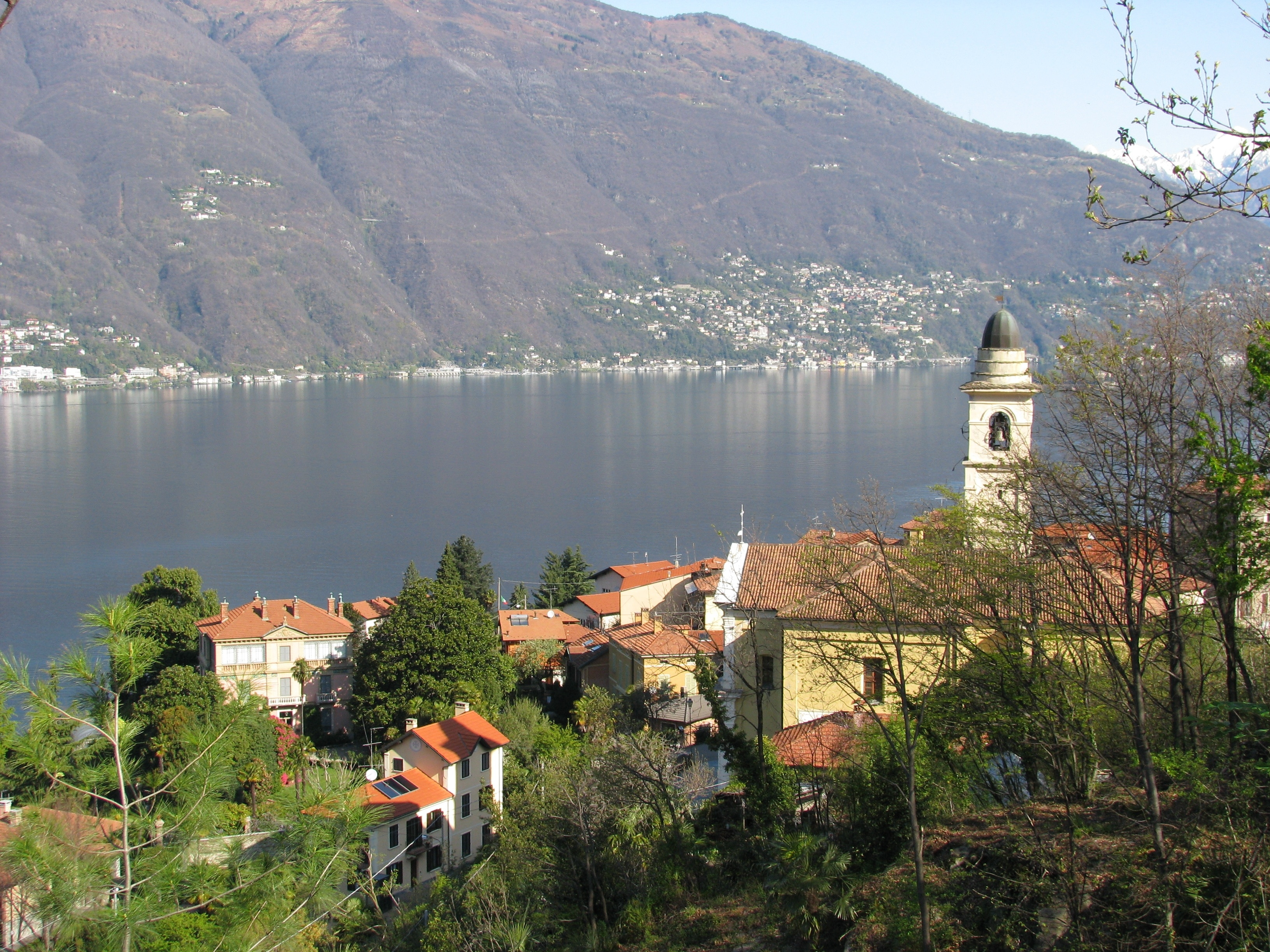 Tronzano Lago Maggiore, Lombardei, Italien