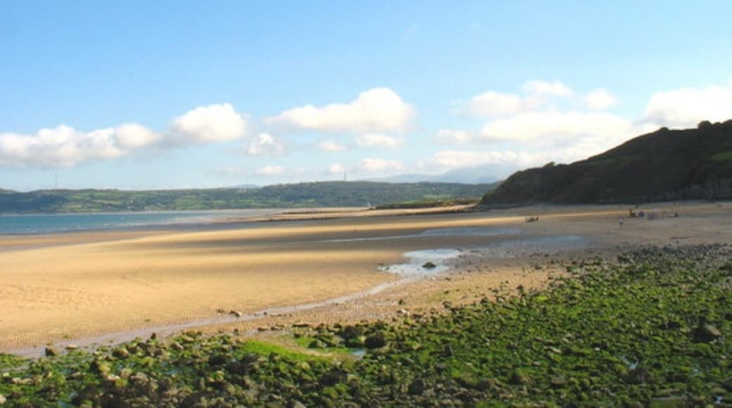 """Photo """"Benllech"""" by Eric Jones (CC BY-SA) / Cropped from original"""