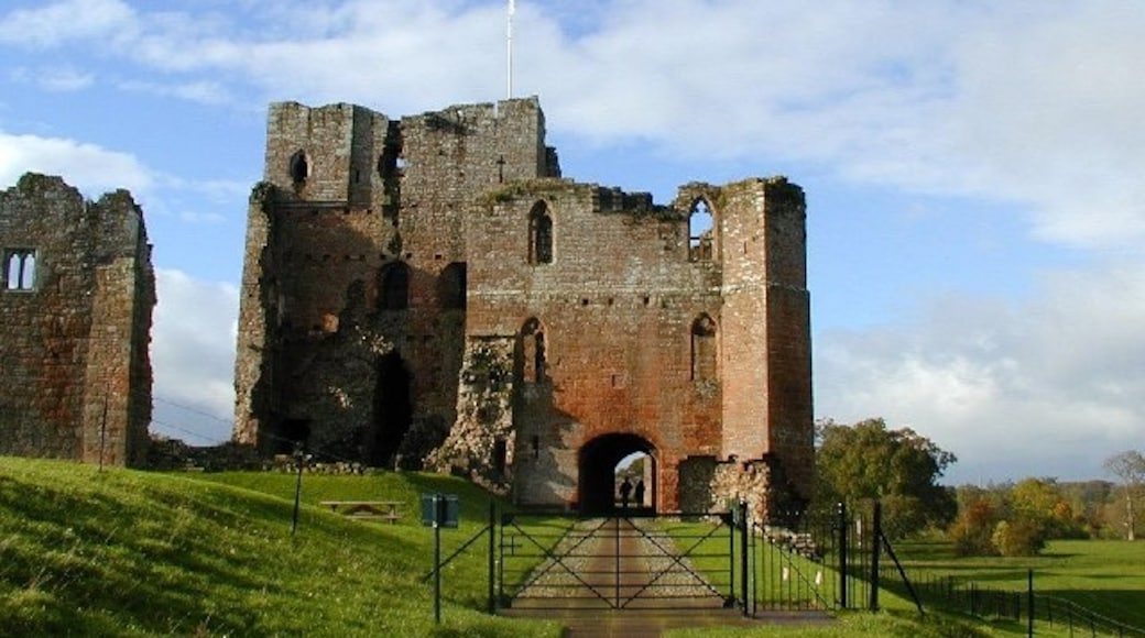 """Photo """"Brougham Castle"""" by Bob Bowyer (CC BY-SA) / Cropped from original"""