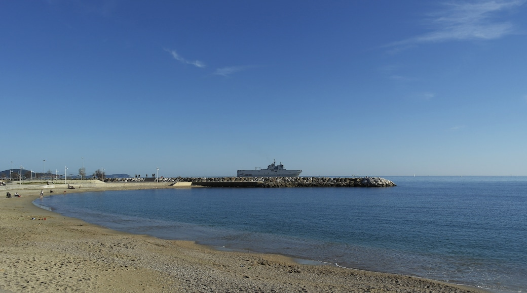 """Photo """"Toulon Beach"""" by trolvag (CC BY-SA) / Cropped from original"""