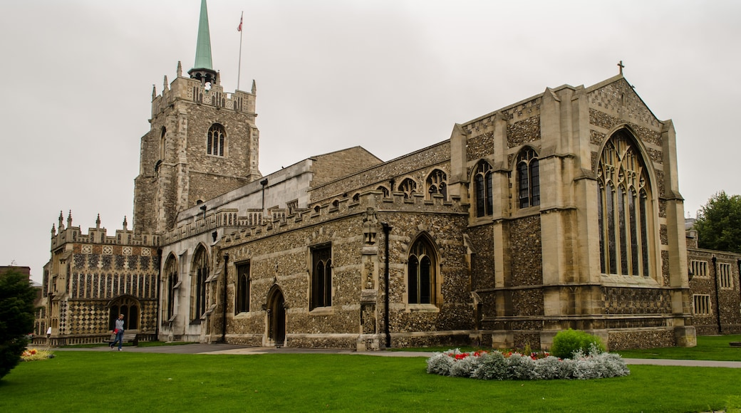 """Photo """"Chelmsford Cathedral"""" by Jules & Jenny (CC BY) / Cropped from original"""