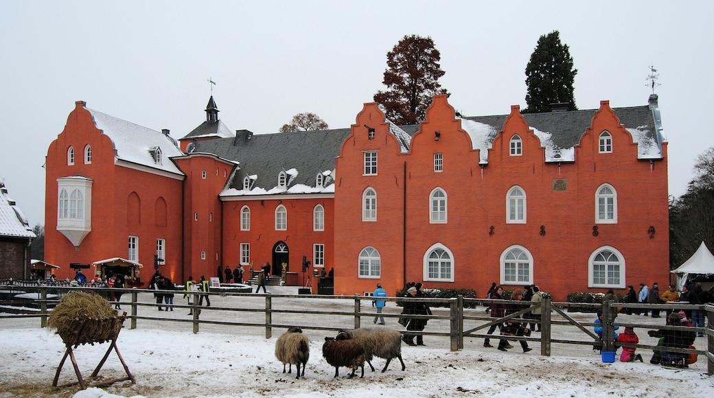 "Photo ""Neukirchen-Vluyn"" by Carschten (CC BY-SA) / Cropped from original"