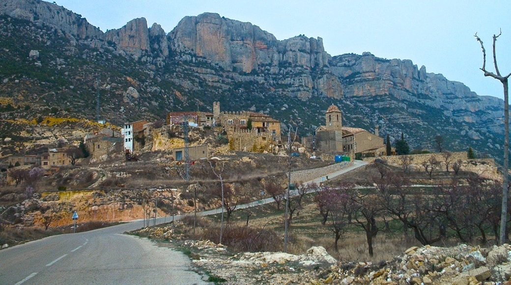 """Photo """"La Morera de Montsant"""" by jordi domènech (CC BY-SA) / Cropped from original"""