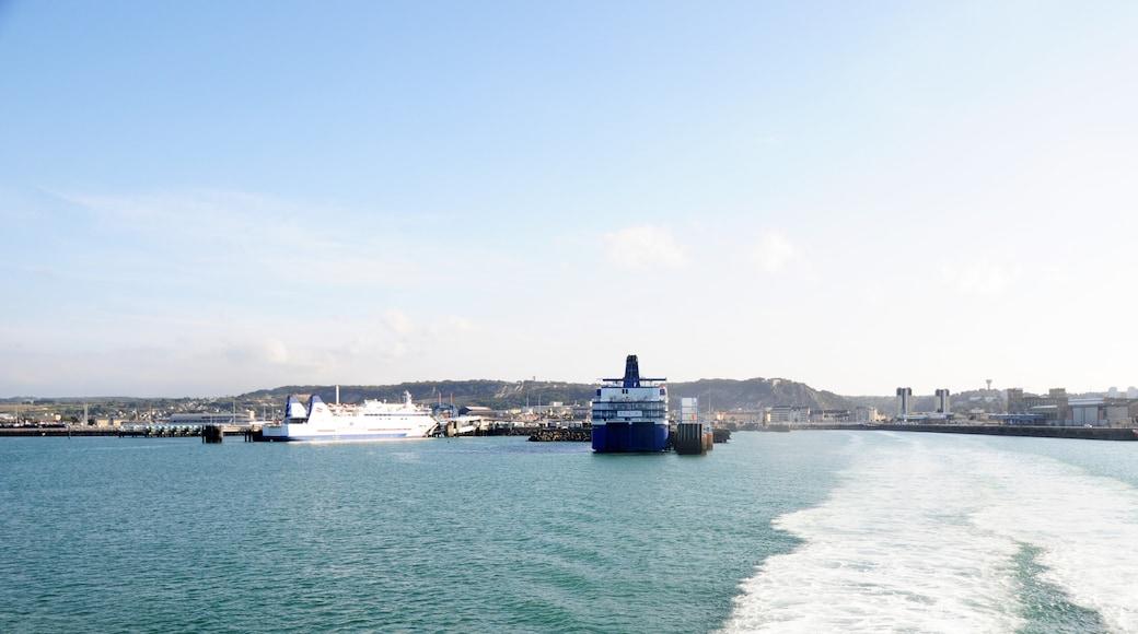 «Cherbourg-en-Cotentin», photo de David Broad (CC BY) / rognée de l'originale