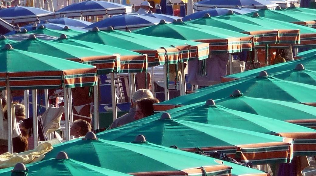 """Foto """"Spiaggia di Celle Ligure"""" di Colin J Taylor (CC BY-SA) / Ritaglio dell'originale"""