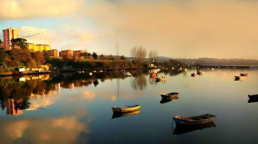 "Foto ""Puerto de Ferrol"" de carrodeguas (CC BY-SA) / Recortada de la original"