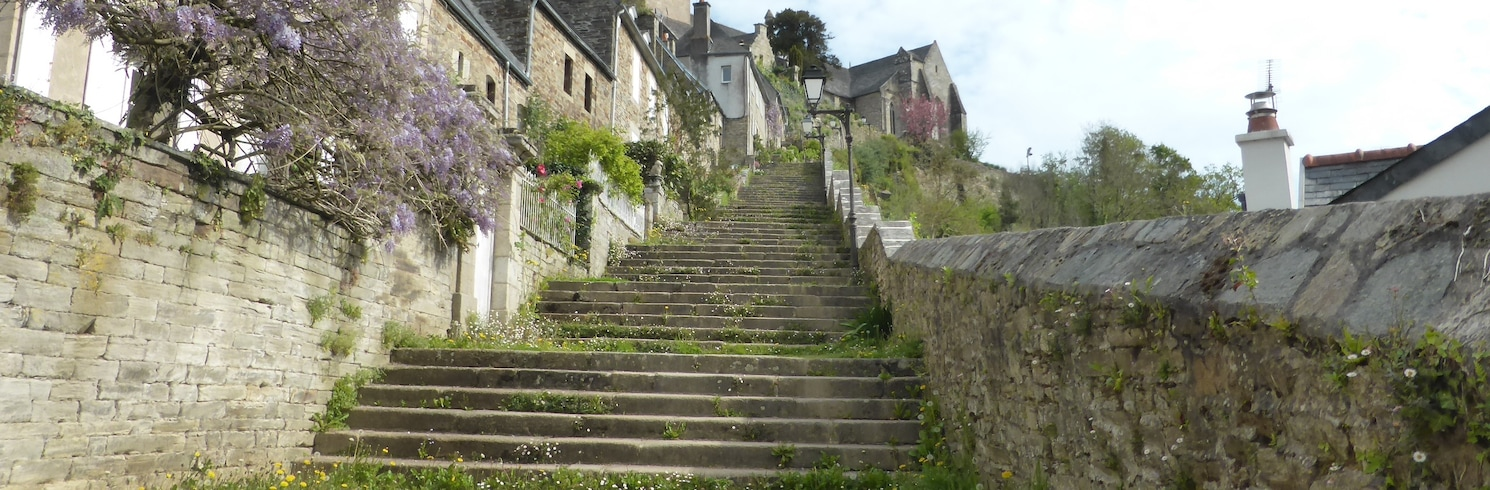 Brelevenez, Frankrike