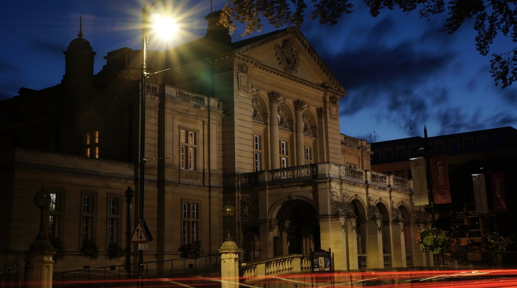 """Photo """"Cheltenham Town Hall"""" by LukesCreativeHouse (page does not exist) (CC BY-SA) / Cropped from original"""