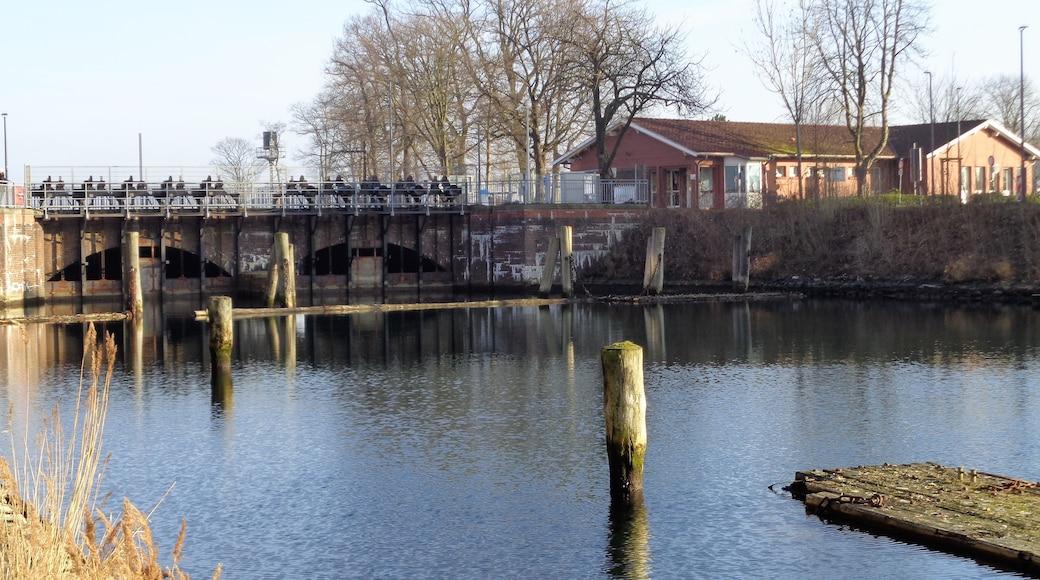 """Foto """"Nord-Ostsee-Kanal"""" von Snoopy1964 (CC BY-SA)/zugeschnittenes Original"""