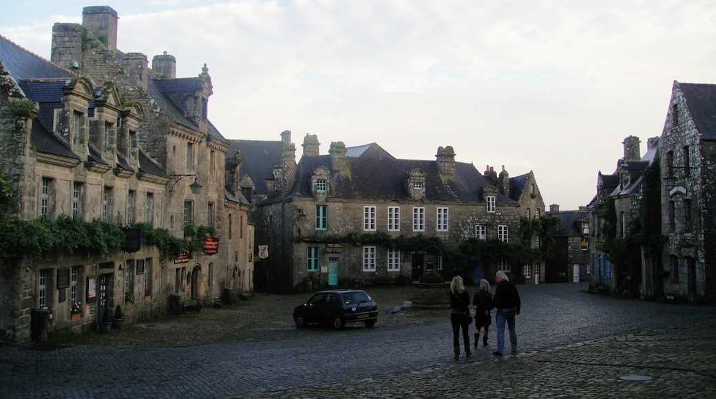 """Photo """"Locronan"""" by Ad de Roij (CC BY) / Cropped from original"""