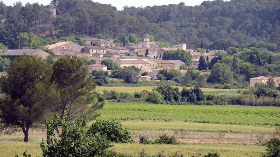 """Photo """"The village Langlade as seen from the cyclist old railwaytrack"""" by Henk Monster (Creative Commons Attribution 3.0) / Cropped from original"""