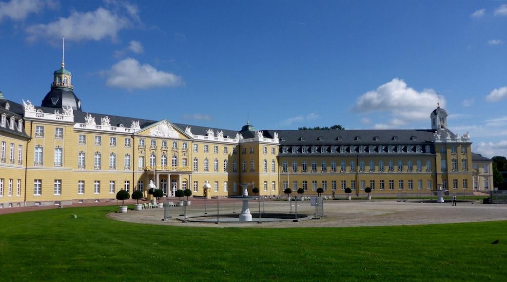 "Foto ""Schloss Karlsruhe"" von GjR (CC BY-SA)/zugeschnittenes Original"