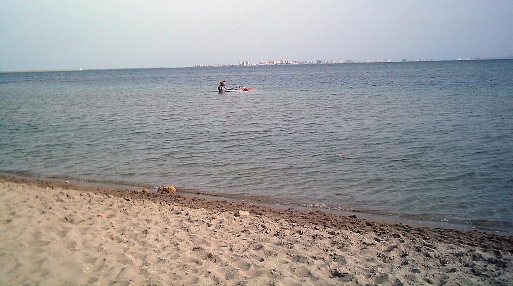 """Playa de Santiago de la Ribera""-foto av P. León (CC BY-SA) / Urklipp från original"