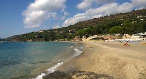 Pantai Le Canadel