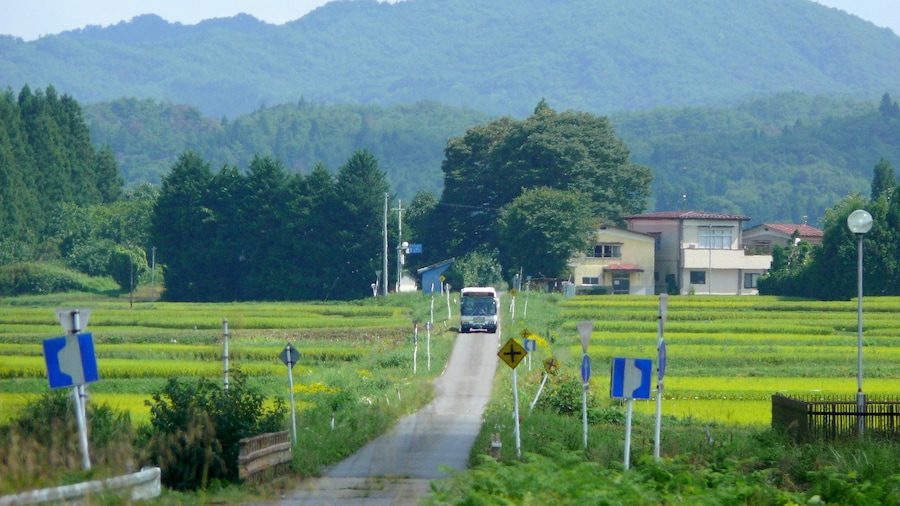 """Photo """"JR Bus Kanto Hakuhou Line(Fukushima prefecture, Japan)."""" by undefined () / Cropped from original"""