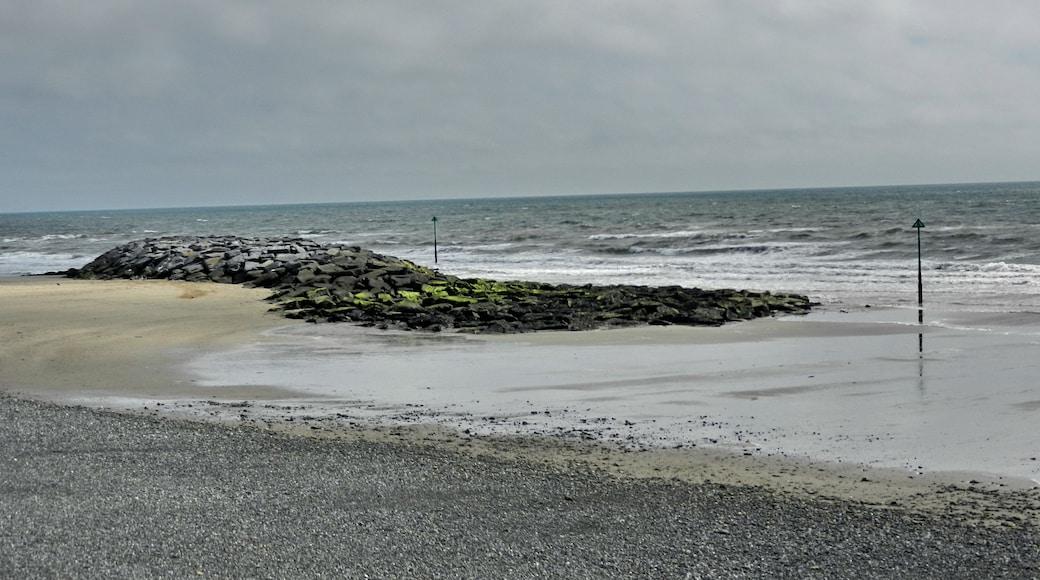 """Photo """"Tywyn Beach"""" by Tanya Dedyukhina (CC BY) / Cropped from original"""