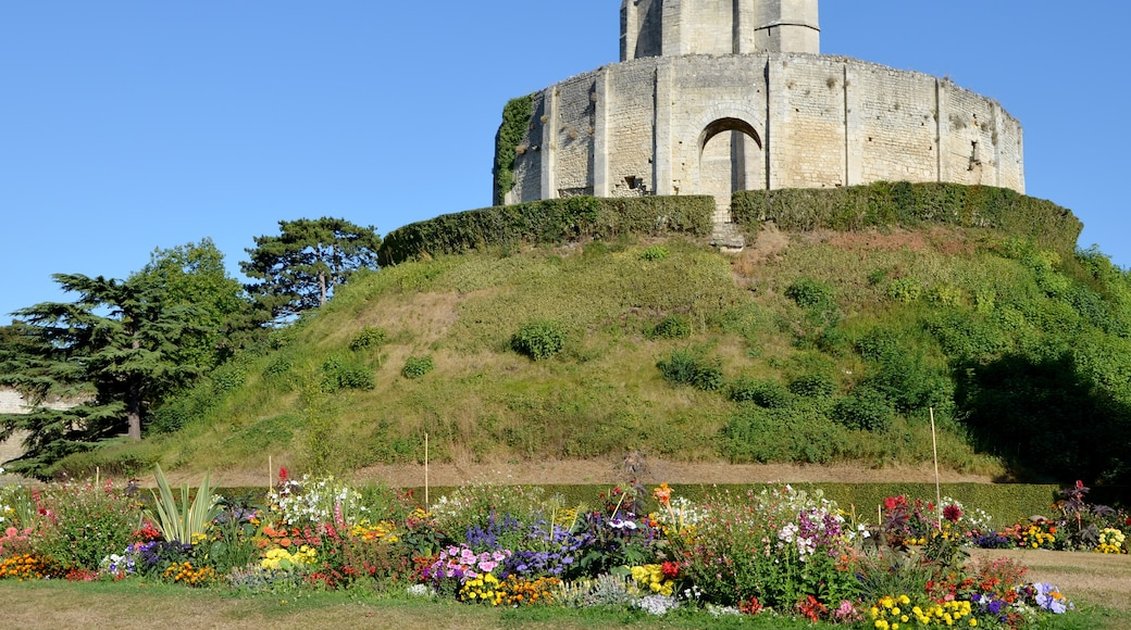 """Photo """"Chateau de Gisors"""" by Pline (CC BY-SA) / Cropped from original"""