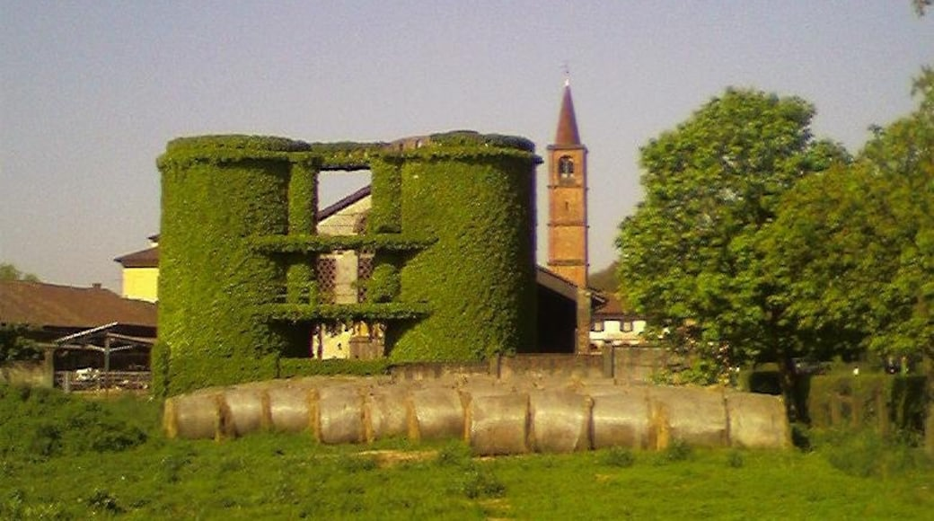 """Photo """"Locate di Triulzi"""" by cisko66 (CC BY) / Cropped from original"""