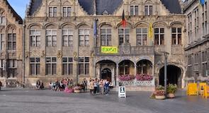 Radnice ve Veurne