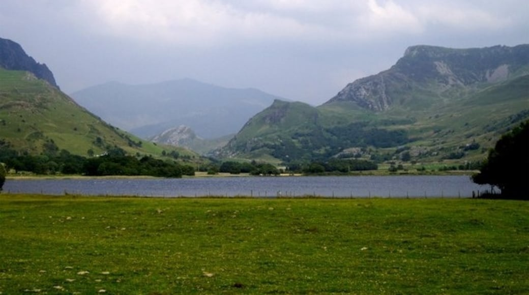 """Photo """"Nantlle"""" by Tom Pennington (CC BY-SA) / Cropped from original"""
