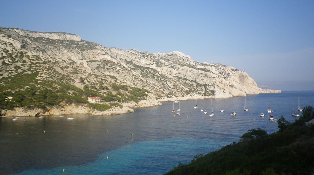"""Photo """"Calanque Sormiou"""" by graffiteck (CC BY) / Cropped from original"""