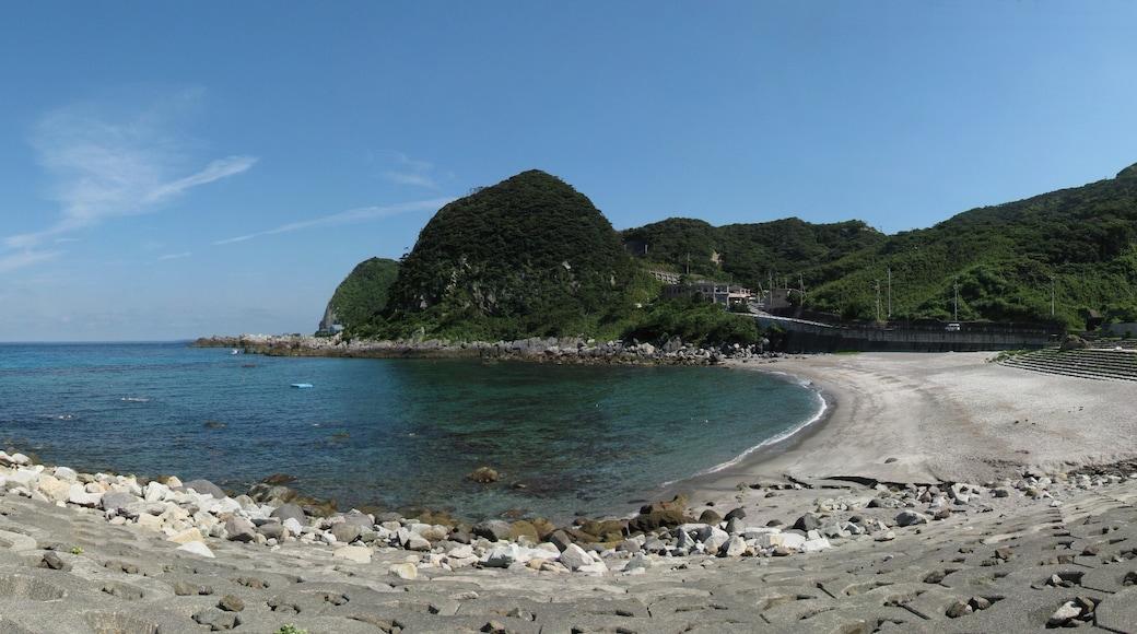 """照片""""神津岛村"""" 拍摄者:ninpuukamui(CC BY-SA)原片经过裁剪"""