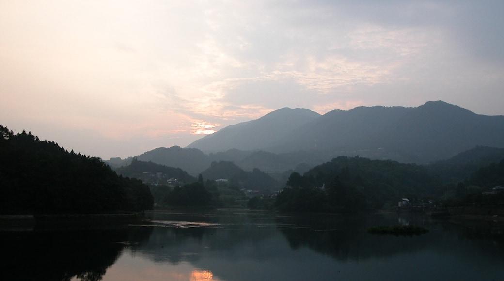 mizukoshi_izumi (CC BY) 的「上野原」相片 / 裁剪自原有相片