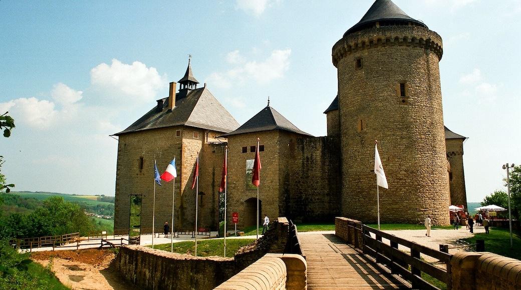 "Foto ""Chateau de Malbrouck"" von Dguendel (CC BY-SA)/zugeschnittenes Original"