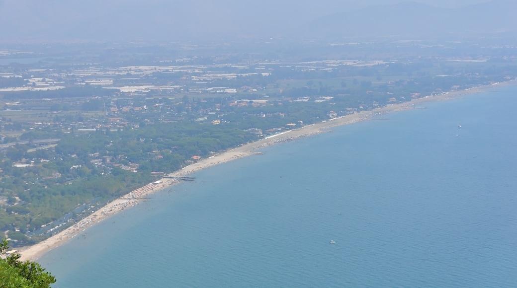 """Foto """"Terracina"""" di Ra Boe / Wikipedia (CC BY-SA) / Ritaglio dell'originale"""