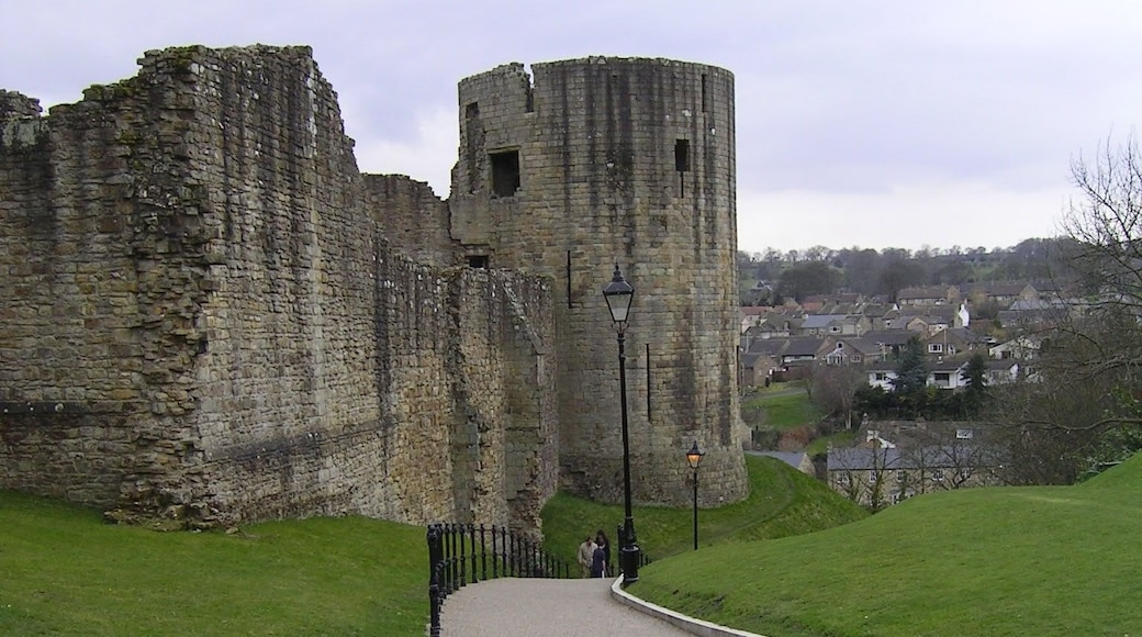 """Photo """"Barnard Castle"""" by PJMarriott (CC BY) / Cropped from original"""