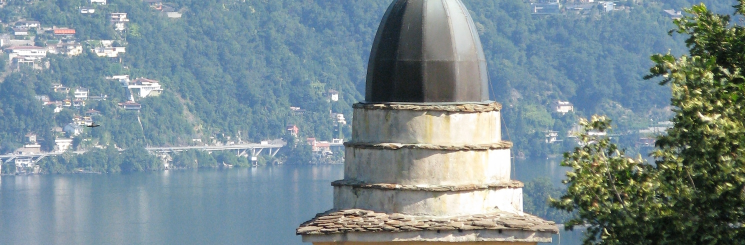 Pino Lago Maggiore, Italia