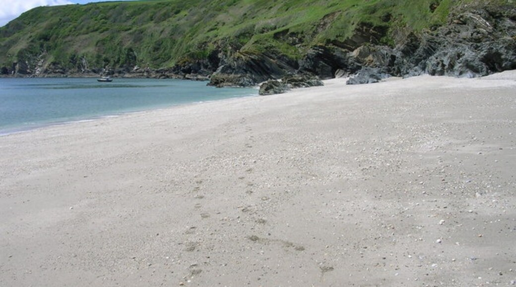 "Photo ""Lantic Bay Beach"" by Paul Billington (CC BY-SA) / Cropped from original"