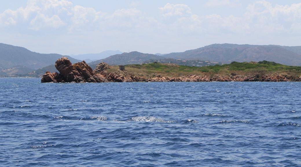 """Foto """"Tavolara - Punta Coda Cavallo Marine Protected Area"""" por Patrick Nouhailler's… (CC BY-SA) / Recortada de la original"""