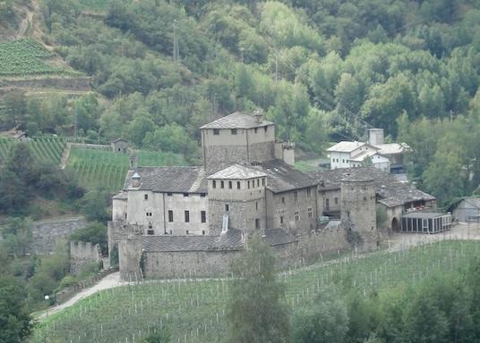 Сен-Пьер, Италия