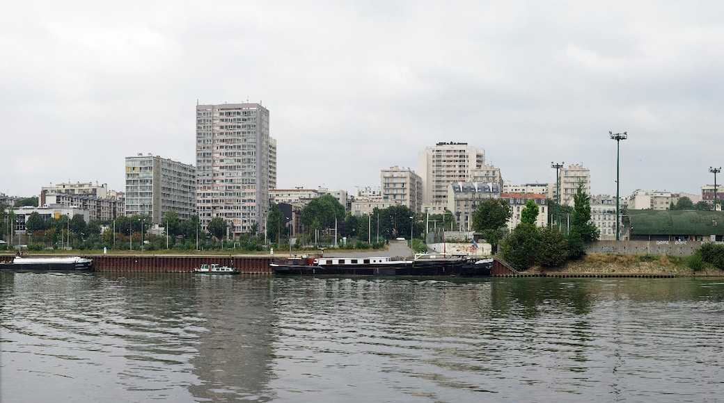 "Photo ""Ivry-sur-Seine"" by Alexandre Duret-Lutz (CC BY-SA) / Cropped from original"