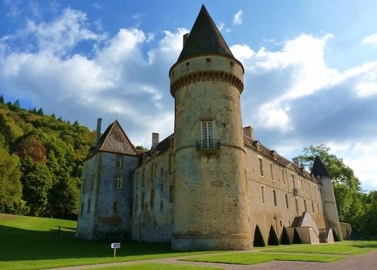 Базош, Франція