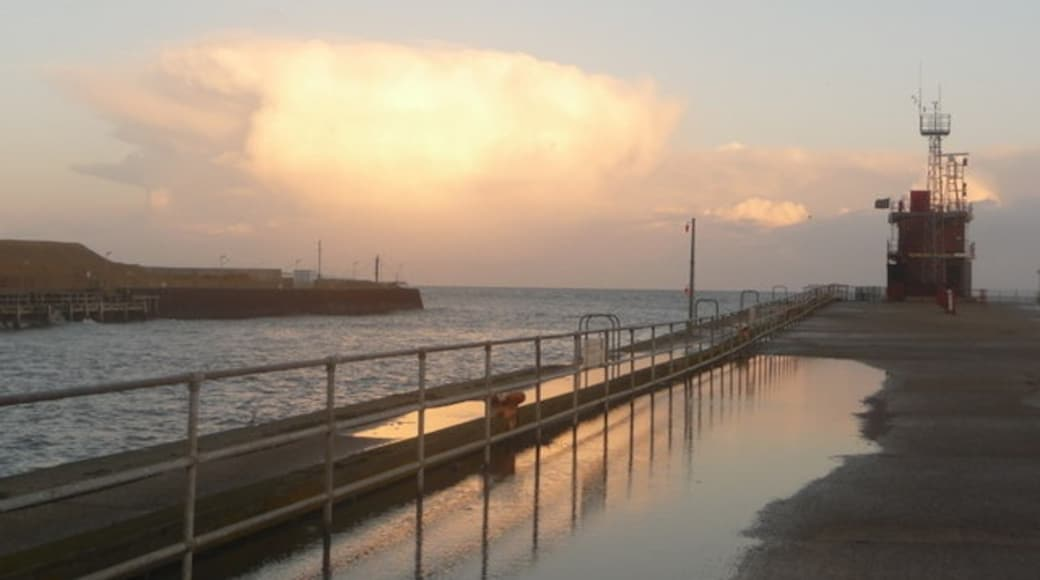 """Photo """"Gorleston-on-Sea"""" by Chris Downer (CC BY-SA) / Cropped from original"""