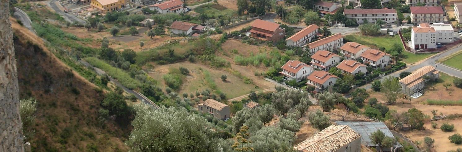 斯卡羅-雷焦-斯科爾納瓦卡-瓦爾達諾, 意大利