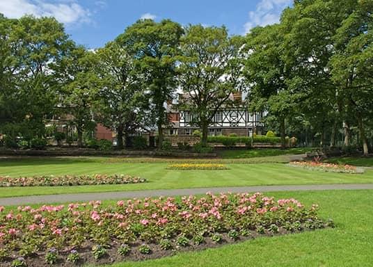 اشتون إن ماكيرفيلد, المملكة المتحدة