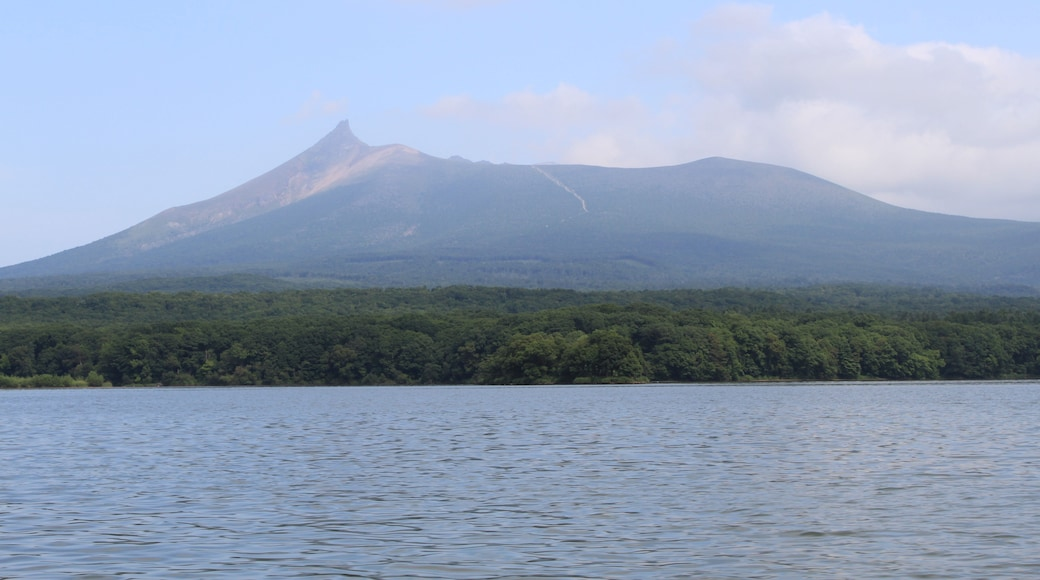 """Photo """"Onuma Quasi-National Park"""" by くろふね (CC BY) / Cropped from original"""