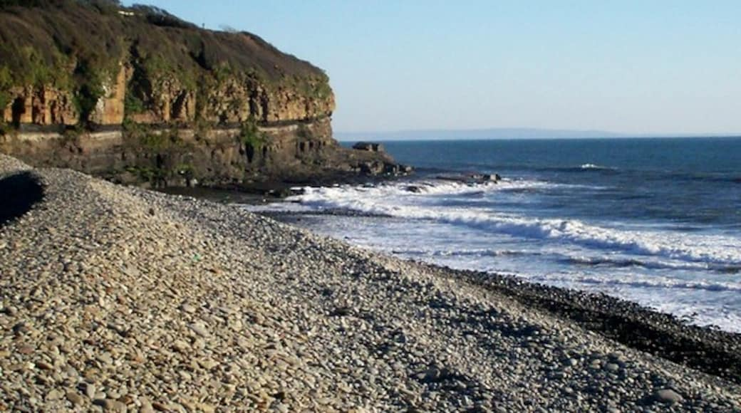 """Photo """"Amroth"""" by welshbabe (CC BY-SA) / Cropped from original"""