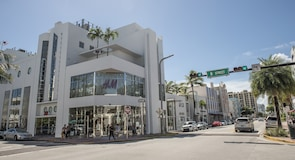 Collins Avenue Shopping Area