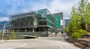 مركز بانف سنتر فور آرتس آند كيرياتيفيتي التعليمي