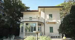 """Modernās un laikmetīgās mākslas galerija """"Villa Franceschi"""""""