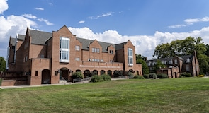 مركز جامعة ديكسون