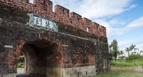 البوابة الشمالية لبلدة هنغتشون القديمة