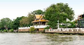 Речной берег в Бангкоке