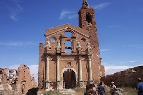 Olive oil tour and visit to Belchite old Town